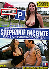 Stephanie Enceinte Dans Un Parking Routier