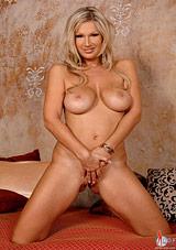 Carol Busty Beauty
