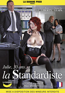 Julie, 30 Ans, La Standardiste cover