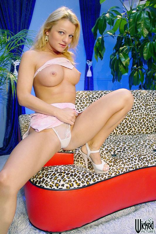 Annette schwartz suck mandingo cock