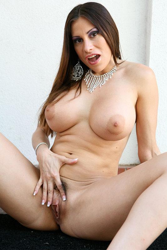 Sheila marie nude pics