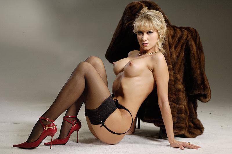 порно актриса бамбола фото