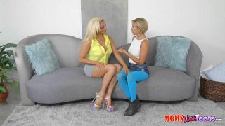 Sexy teen blondes having kinky lesbian fun with a thick strapon № 535737  скачать