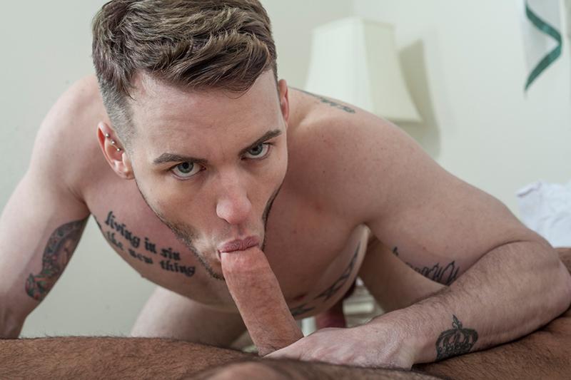 Colton Grey porno gay