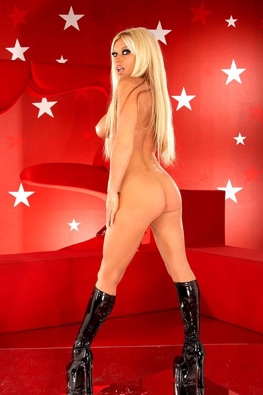 Julie agnete vang nude