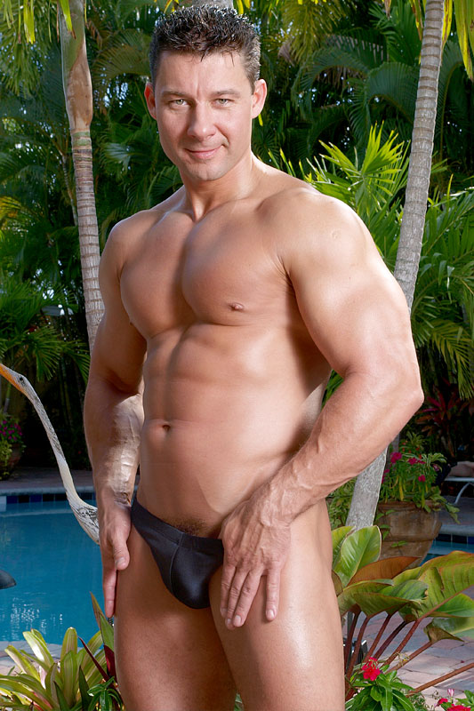 Free gay hot muscle men mpegs