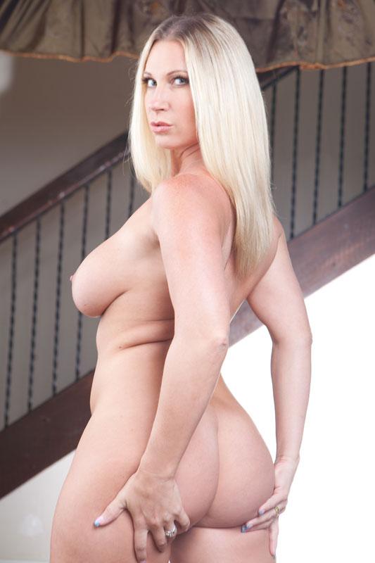 Shameless showtime nude blonde girl
