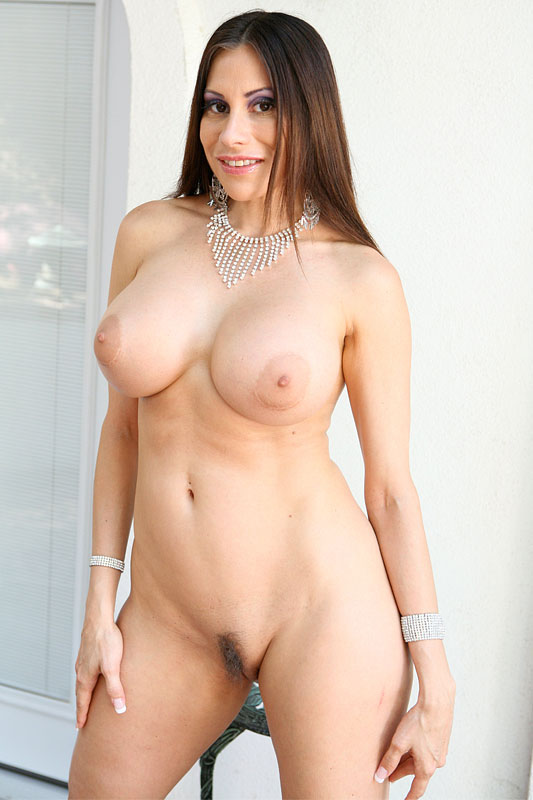 galleries Sheila marie nude photo