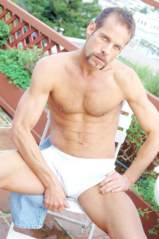 Michael Brandon porno gay