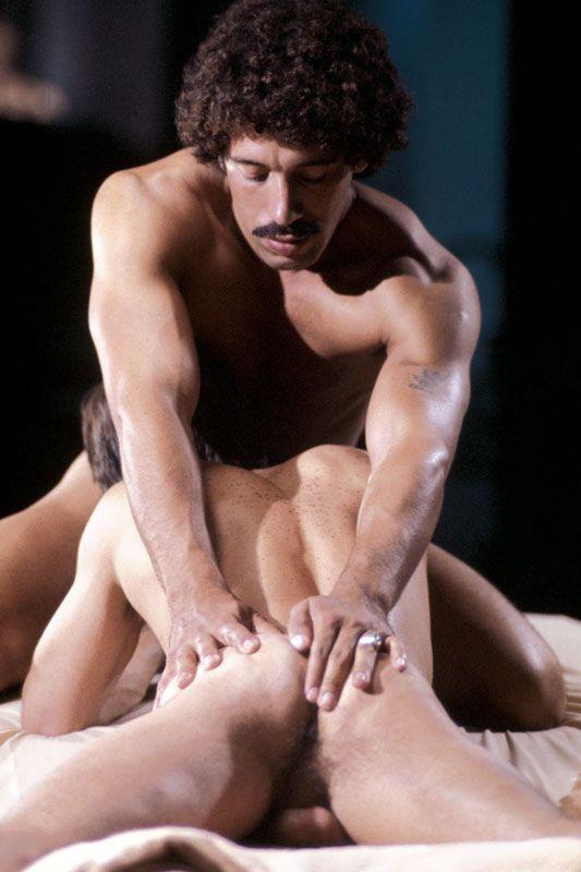 Horký gay sex ve sprše