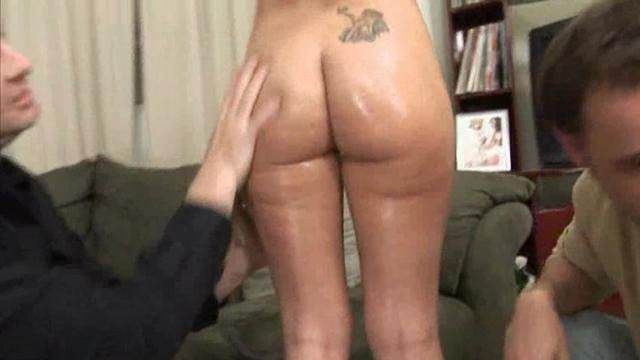 Guys wanking in pantyhose
