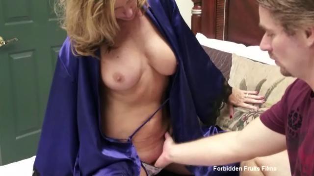 Mature mom sucking