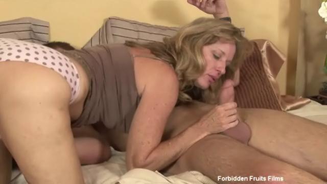Cum on chubby mature wife
