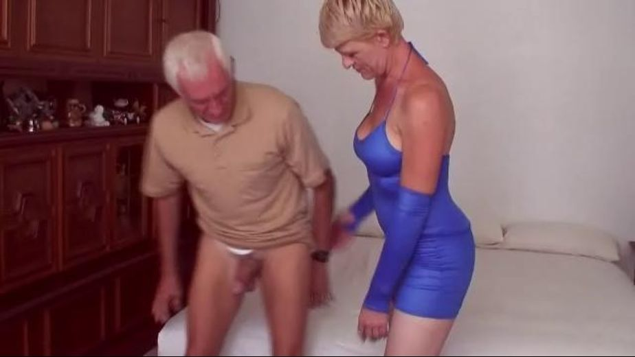 Vegas Milf Entrepreneur, starring Allison and Carl Hubay, produced by Hot Clits Video. Video Categories: Amateur, Gonzo, Big Tits, Mature and Blondes.