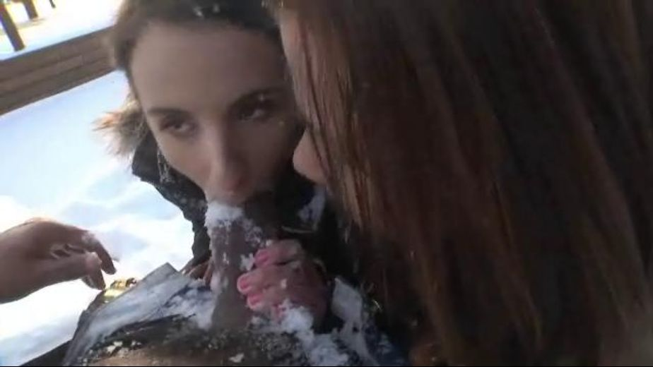 Blowjob in snow