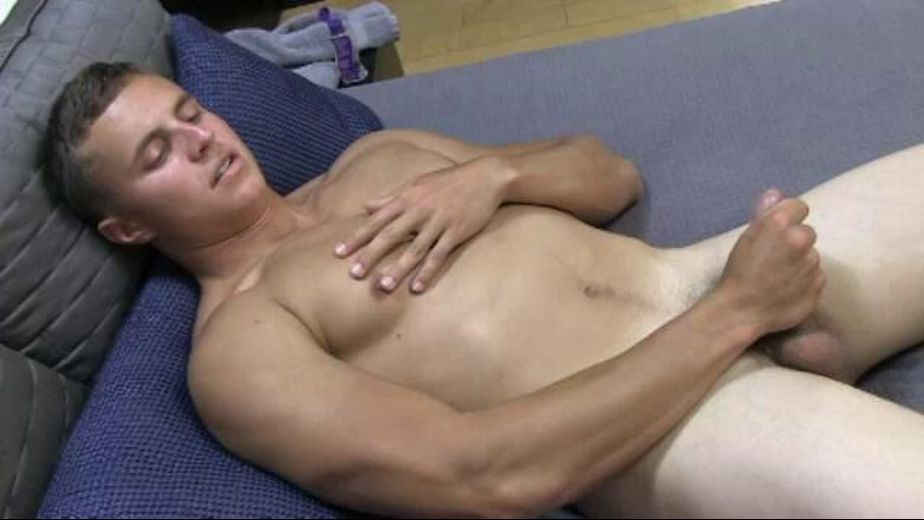 Muscled Young Military Man Screen Test, starring Sawyer, produced by Active Duty. Video Categories: Amateur, Military, Masturbation, Muscles and Str8 Bait.