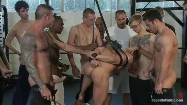 Hungry Public Gay Gets Cock