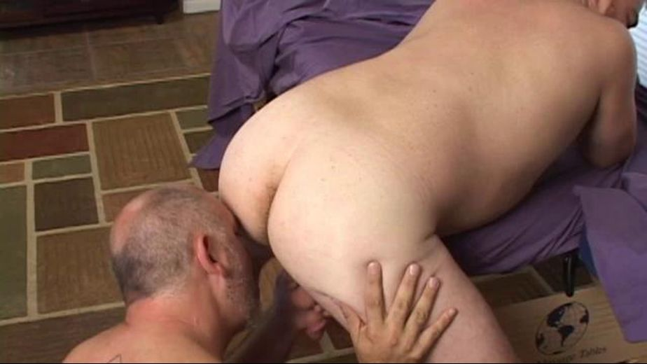 Does a bear fuck in the house, starring Cameron Stuart and Beary Rubs, produced by Bear Films. Video Categories: Blowjob, Massage, Anal, Mature and Bear.