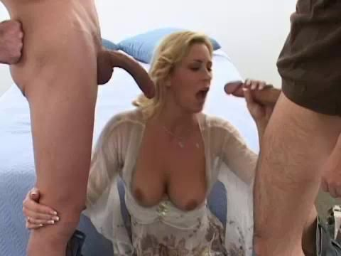 Ddep throating milf