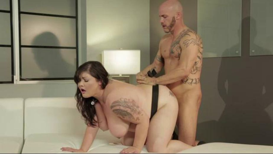 How to fuck a big girl?, starring Derrick Pierce and Kelly Shibari, produced by Wicked Pictures. Video Categories: Big Tits, BBW, Gonzo and Brunettes.