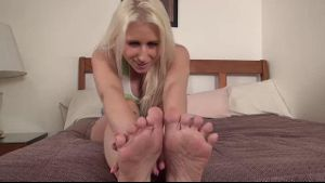 Blonde Bimbo Uses Her Hands And Feet.