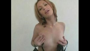 Hot Cougar Wife on the Prowl.