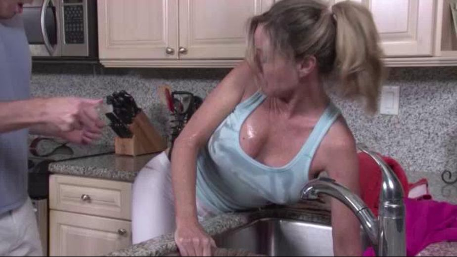 Female orgasm on a kitchen sink-4485