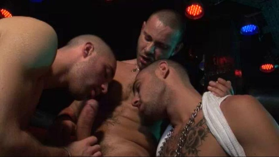 French Club Threeway A Voyeur on the Side, produced by Eurocreme. Video Categories: Threeway, Blowjob and Euro.