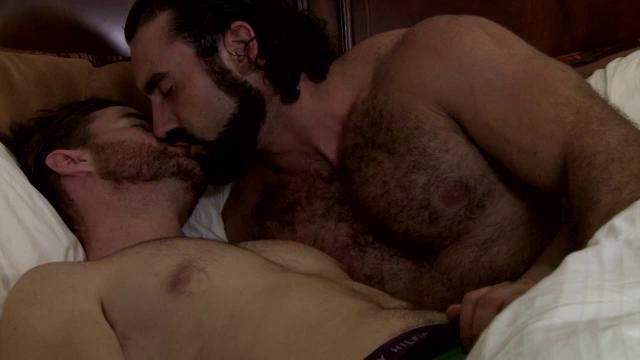 Gay bear seduces straighty