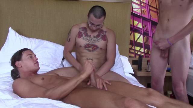 Nude women caught nude voyouer