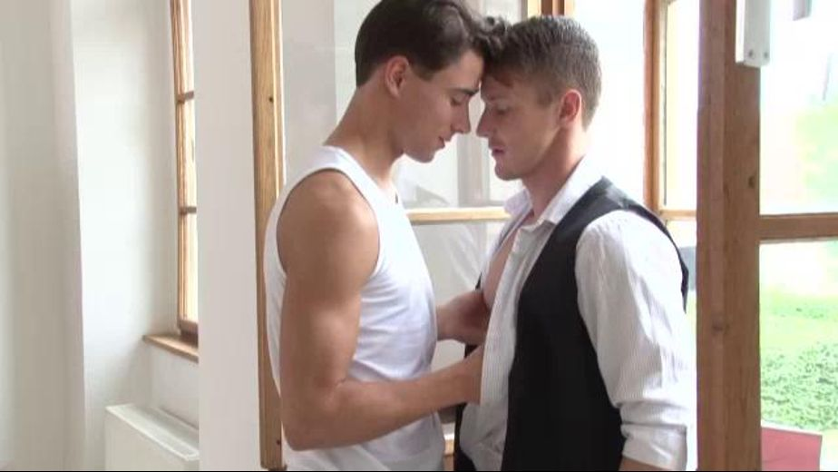 Gino Mosca Meets Darius Ferdynand, starring Darius Ferdynand and Gino Mosca, produced by NakedSword Originals. Video Categories: Safe Sex, College Guys and Muscles.