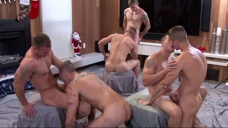 Six Military Man Bareback Gangbang, starring Ryan Jordan, Quentin Gainz, Princeton Price, Zack Matthews, Craig Cameron and Ripley (m), produced by Active Duty. Video Categories: Bareback, Muscles and Military.