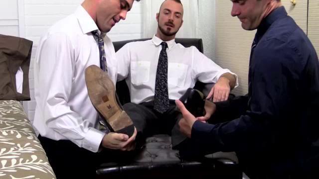 Cameron worships aspens feet makes him pleased