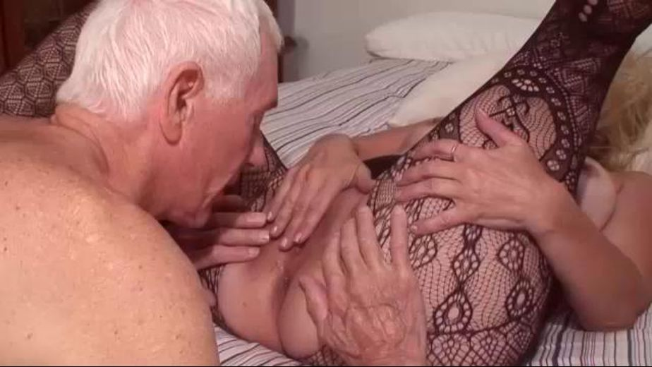 Carl Cleans Up Bonnie's Ass, starring Carl Hubay and Connie Sears, produced by Hot Clits Video. Video Categories: Mature, Blondes and Anal.