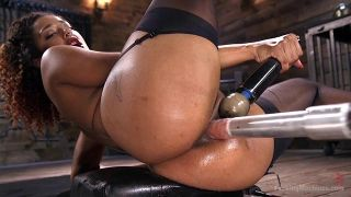 Athletic Goddess Daisy Ducati Squirts Everywhere From Machine Fucking - Scene 4