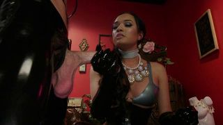 TS Seduction 12: Pretty Girls, Packing - Scene 1