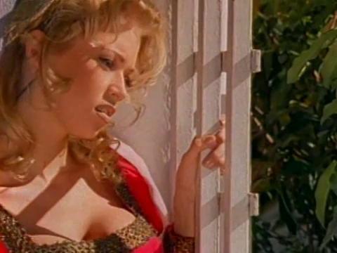 Jenna Jameson lesbisk sex videos slickar bröst pic