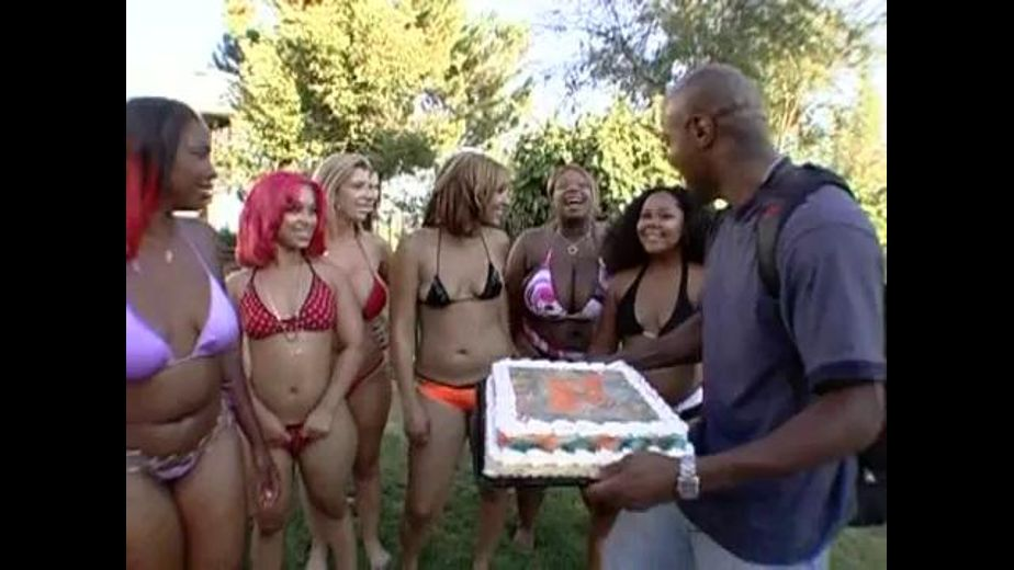 1000 Pounds Of Ass Is Ready, starring Pinky and Sara Jay, produced by Evasive Angles. Video Categories: Big Butt, Orgies, Gonzo, Interracial and Black.