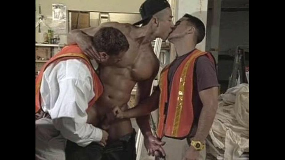 Welcome to San Francisco, starring Peter Wilder, Van Darkholme and Michael Vincenzo, produced by Titan Media. Video Categories: Muscles, Blowjob and Threeway.