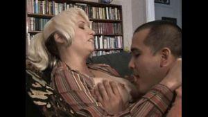 Peruvian Older Women Take Younger Lovers.